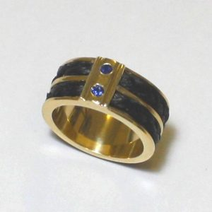 www.galope.nl gouden ring met dubbele paardenhaar vlecht RG104 saffier